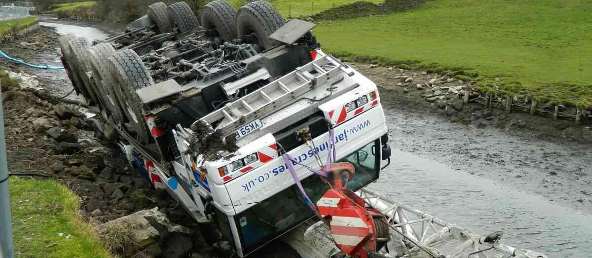 תאונות של משאית מנוף